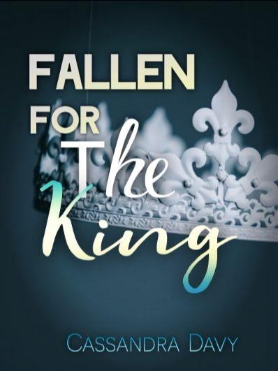 Fallen For The King (MxM Romance)